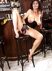 Brunette MILF in hot stockings
