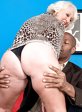 Jeannie Lous Big Black Cock Creampie