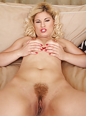 Blonde 30 year old Ionella from AllOver30 uss her fingers for pleasure