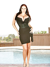 Gianna amazing rack is mindblowin watch her get pounded in these hot pool pics
