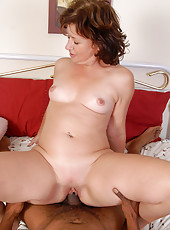 Mature Alannha can handle throbbing cocks of any size and color