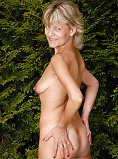 45 year old blonde housewife Sherry D enjoying her backyard naked