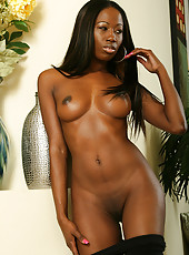 Exotic 31 year old India B poses her tight natural body for the camera