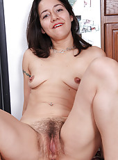 Hot hairy pitts and pussy on this 30 year old MILF from AllOver30