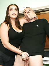 Katie Cummings Gets A grip handjob