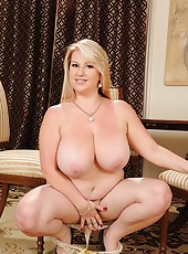 Janne Hollan presents her big tits