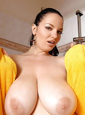 Joanna Bliss washing her huge boobs