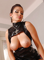 Superstar Aria Giovanni in latex