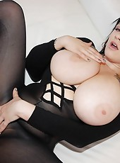 Sexy hot bbw huge round ass gets her juicy fat pussy fucked hard and cumm all  over her juicy tits