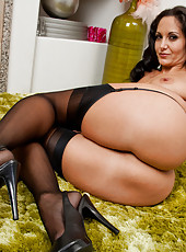 Ava Addams is a hot MILF who loves to fuck younger cocks.