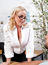 Sexy Dee Siren teachers her horny student a thing or two about the fucking and sucking cock.