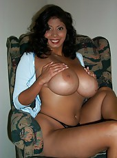 Sexy Latina wife naked
