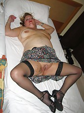Chubby MILF chick having some nasty fun