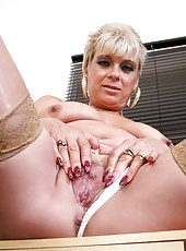 Horny blonde Dimonte gives herself an unforgettable orgasm