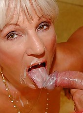 Old slut suckin young boys hard dick and gets facial