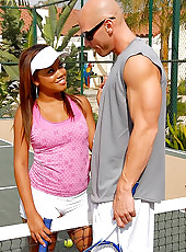 Big round boorty babe melodi gets her swet tennis pussy fucked hard on the court by her instructor