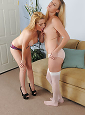 Stunner Jennifer Best eating out gorgeous Daisy Layne