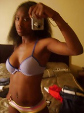 Gallery of vain ebony chicks in sexy self-pics