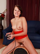 Hairy Babe Test Drives The Sybian