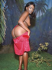Ebony babe with floppy titties getting nailed in the jungle