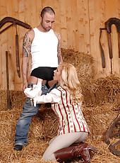Lady Linda sucks the stable boy off