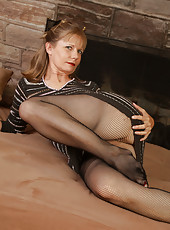 Moms in Pantyhose