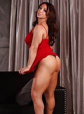If you are looking to worship some sexy strong muscles, then you have to meet Brandi Mae!