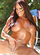 Big, defined, sexy and shiny describes Amber Deluca