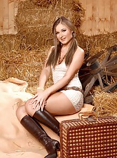 Angel Snow gets horny in the barn