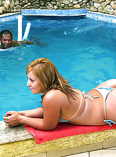 Banging super thick ass babe nailed hard in these wet poolside fucking pics