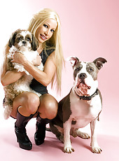 Gina Lynn With Dogs Pics