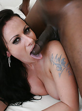 Hot fat mom Moxxie Maddron love suck black cock and swallow