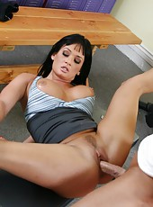 Amazing trainer Tory Lane knows how to relax a guy with big dick
