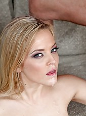 Blonde hottie Alexis Texas got a big dick in her trimmed pussy