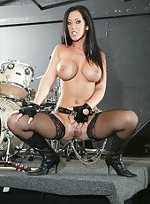 The hottest rock star Jayden Jaymes has great talents to be a porn star
