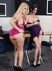 Ex classmates Alana Evans and Veronica Avluv visit their classroom