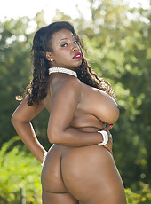 Extremely curvy chocolate skinned mature hottie Vanessa Blue shows her treasures