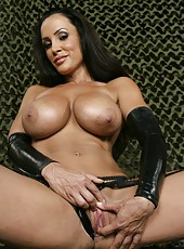 Milf with shaved pussy Lisa Ann doing really bad things to make you pleased