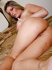Naughty and tanned lady Kristal Summers demonstrates her juicy hole