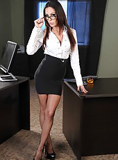 Gorgeous milf with excellent slender body Jessica Jaymes peels off lingerie in the office