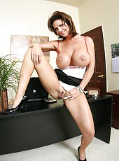 Mature woman with big tits named Deauxma seduces young computer master