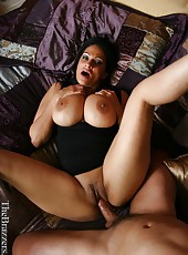 Amazing milf with giant melons Ava Lauren sucks, gets licked and rides before sweet cumshot