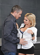 Blonde bombshell Christie Stevens was too sexy in her skirt and made man wild