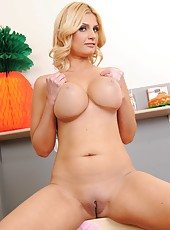 Enjoy a pair of giant and delicious boobs by hot big assed milf Brooklyn Bailey