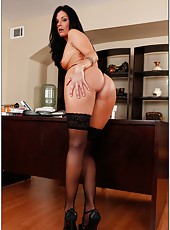 Crazy fuck with an amazing brunette milf Summer in the office