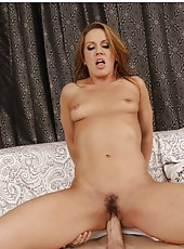 Stunning minx Inari Vachs making a deepthroat and riding a big dagger