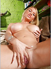 Krissy Lynn starts with exciting spreading of her treasures and then gets it fucked