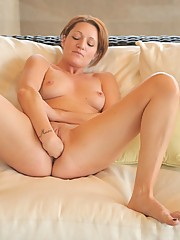 Jade fist fucks her wet pussy