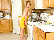 Thick milf Samantha Stone masturbates with a giant dildo in her apron