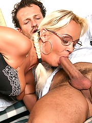 Blonde haired babe loves some dirty buttsex